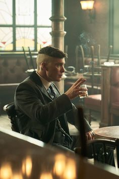 Tommy in ❤ Peaky Blinders Grace, Peaky Blinders Theme, Peaky Blinders Series, Peaky Blinders Quotes, Cillian Murphy Peaky Blinders, Peaky Blinders Characters, Peaky Blinder Haircut, Peaky Blinders Tommy Shelby, Peaky Blinders Wallpaper