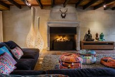 If you think fireplace building is too complex for you, think again! Creating a fireplace will be easy for a bright spark like you! Best Living Room Design, Red Oriental Rug, Home, Country Style Living Room, Fireplace Design, Fireplace Gallery, Room Inspiration, Living Room Inspiration, Fireplace