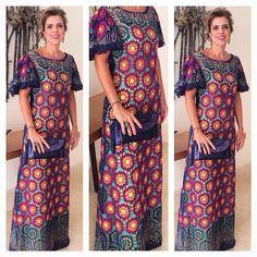 Vestido com renda bordada, para as mulheres despojadas.