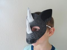 Rhino Felt Mask by JulieMarieKids on Etsy Seussical Costumes, Family Costumes, Animal Masks For Kids, Mask For Kids, Diy Halloween Costumes For Kids, Diy Costumes, Lion King Costume, Giant Animals, King Design
