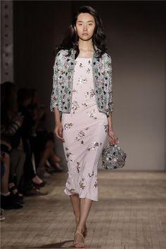 Desfile Jenny Packham PV15 en la Semana de la Moda de Nueva York: rosa palo