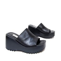 I had a pair of these sandals back in the mid-90s. This pair here wouldn't fit me (they're size 9.5), but I'm sure a 90s child with bigger feet would love them! (20twentyvintage on Etsy)