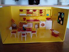 Retro 1, Dollhouse Furniture, Doll Houses, Minis, Nostalgia, Plastic, House, Haus, Dollhouses