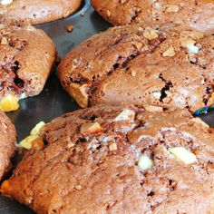 Here is a great Cranberry Almond Muffin. �A perfect snack food for the holiday season.