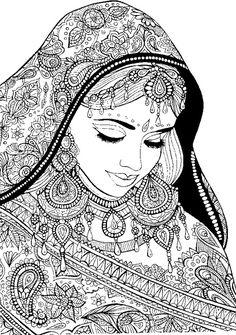 Femme arabe avec des vêtements de fête