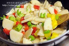 일주일 알뜰 건강 밑반찬 7가지 Fruit Salad, Food, Fruit Salads, Essen, Meals, Yemek, Eten