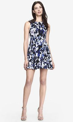 PLEATED KEYHOLE FIT AND FLARE DRESS - BLUE FLORAL
