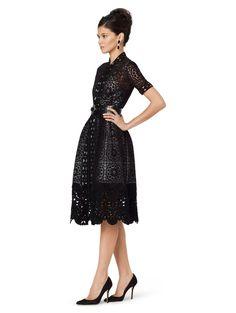 oscar-de-la-renta-black-short-sleeve-lace-dress