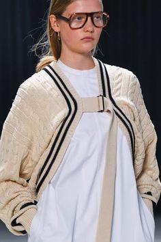 Knitwear Fashion, Knit Fashion, Womens Fashion, Fashion Images, Fashion Details, Fashion Design, Fashion 2020, High Fashion, Fashion Trends
