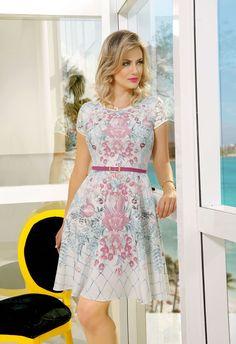 moda-evangc3a9lica-vestidos-de-verc3a3o-2016-estampados.jpg (1000×1458)