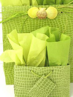 #Carolyne Roehm  #Wrapping