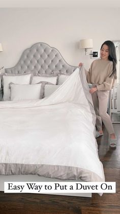 jeanwang on Instagram: Who dreads changing their duvet? This trick is an oldie but goodie for getting a duvet on & off without the struggle. Hit save for the next… Guest Bedrooms, Master Bedroom, Bedroom Decor, Ikea Bed, Mini Crib, Duvet Insert, Bed Duvet Covers, Home Hacks, Cribs