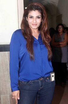 Raveena Tandon at Shiamak Davar's show. Bollywood Dress, Indian Bollywood Actress, Bollywood Girls, Bollywood Photos, Beautiful Bollywood Actress, Bollywood Stars, Indian Actresses, Bollywood Fashion, Beautiful Girl Indian