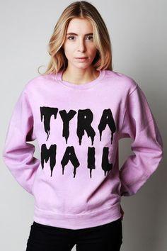 Tyra Mail Sweatshirt // lol