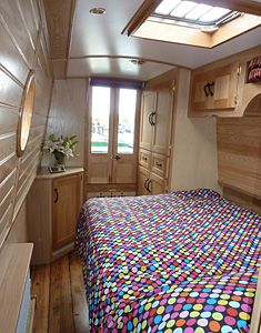 Houdini hatch in the bedroom on One Day by Braidbar Boats