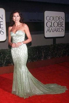 Minnie Driver: Best Golden Globe dreses of all time