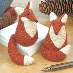 Handmade Findlay the Fox Paperweight. I suppose, if I owned chickens, I might not be so fond of foxes.