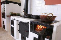 Antique Wood Stove, How To Antique Wood, Home Entrance Decor, House Entrance, Kitchen Arrangement, Outdoor Stove, Cooking Stove, Rocket Stoves, Outdoor Kitchen Design