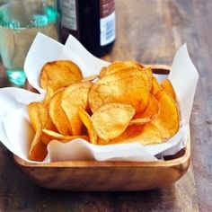 Here's an awesome tasting Homemade Potato Chips recipe from Dean and Deluca's recipe book. It's really easy to make, peel and thinly slice . Appetizer Recipes, Snack Recipes, Cooking Recipes, Appetizers, Yummy Recipes, Dip Recipes, Potato Recipes, Free Recipes, Cooking Tips
