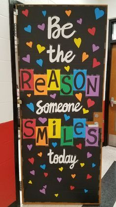 25 Brilliant DIY Classroom Decoration Ideas to Give You Inspiration Classroom Bulletin Boards, New Classroom, Preschool Classroom, Classroom Themes, Classroom Bathroom, Kindergarten, Diy Classroom Decorations, School Decorations, Classroom Displays