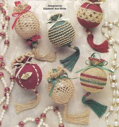 Christmas Ornament Crochet Patterns Dome. For those crochet and kitting people.