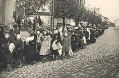 Deportation from Pabianice to Lodz ghetto 1