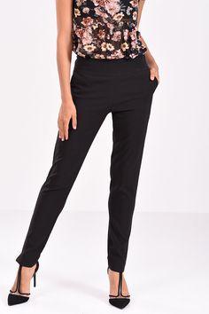 Παντελόνι σε ίσια γραμμή μαύρο Capri Pants, Fashion, Capri Trousers, Moda, Fashion Styles, Fashion Illustrations