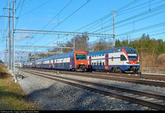511 042 SBB RABe 511 at Effretikon, Switzerland by Christian Waelti