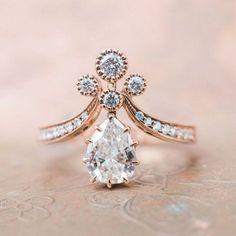 Cool 55 Antique And Unique Vintage Engagement Rings Ideas. More at https://trendwear4you.com/2018/05/19/55-antique-and-unique-vintage-engagement-rings-ideas/