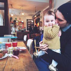 Si il y a bien une chose que nous adorons avec Mr like that c'est bien manger au resto, en découvrir de nouveaux, aller dans de beaux lieux, bien manger (sans avoir à faire la vaisselle), bref on avait forcément un peu peur de ne plus du tout y arriver avec un bébé, mais en … Lifestyle Blog, Sons, Pregnancy, Parenting, Children, Baby, Bons Plans, Gabriel, Raising Kids