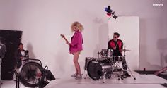 Muzikale TV: The Ting Tings - 'Do It Again' (New Music Video)