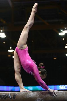 Katelyn Ohashi gymnastics-my-kind-of-sport Gymnastics Flexibility, Acrobatic Gymnastics, Sport Gymnastics, Olympic Gymnastics, Gymnastics Problems, Olympic Games, Amazing Gymnastics, Gymnastics Photography, Gymnastics Pictures