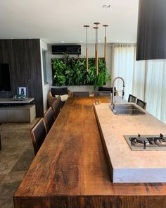 Kitchen Plants, Condo Kitchen, Kitchen Interior, Home Interior Design, Kitchen Decor, Küchen Design, House Design, Dinning Table Design, Kim House