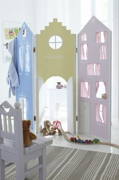 Maison mais en plus petit si manque d'espace kids play house room divider ~ OMG just love this! A MUCH better idea than making a closet into a play room and then having to change it later on! Girl Room, Girls Bedroom, Childrens Bedroom, Childrens Playhouse, Indoor Playhouse, Deco Kids, Kid Spaces, House Rooms, Kids Decor