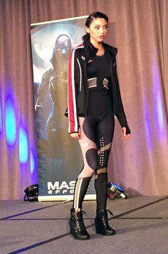 BioWare Fashion show: Mass Effect - N7 activewear #geekfashion