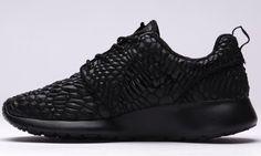 """The Nike Roshe One DMB """"Triple Black"""" Debuts This Fall • KicksOnFire.com"""