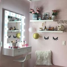 Bedroom Decor For Teen Girls, Teen Room Decor, Room Ideas Bedroom, Small Room Bedroom, Beauty Room Decor, Makeup Room Decor, Home Room Design, Interior Design Living Room, Stylish Bedroom