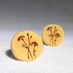 """1"""" Pyrography Flower Button, Tree Branch Slice, Eco Friendly Wood Button Daisy 25mm 2pce"""