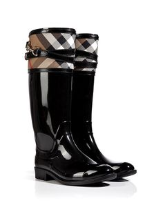 - 19 Beautiful Must Haves For Your Fall Wardrobe, According To Burberry London Rubber Boots with Check Trim Bootie Boots, Shoe Boots, Shoe Bag, Women's Shoes, Boot Over The Knee, Cute Shoes, Me Too Shoes, Mein Style, Crazy Shoes