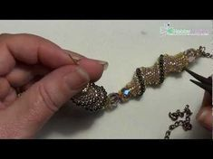 How to Create a Cellini Spiral Stitch Seed Bead Tutorials, Free Beading Tutorials, Jewelry Making Tutorials, Beaded Jewelry Patterns, Beading Patterns, Bracelet Patterns, Beaded Bracelets Tutorial, Seed Bead Jewelry, Bead Earrings