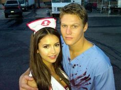 ImageFind images and videos about the vampire diaries, tvd and Nina Dobrev on We Heart It - the app to get lost in what you love. Vampire Diaries Funny, Vampire Diaries Cast, Vampire Diaries The Originals, Vampire Diaries Outfits, Nina Dobrev, Elena Gilbert, Stefan Salvatore, Katherine Pierce, Paul Wesley