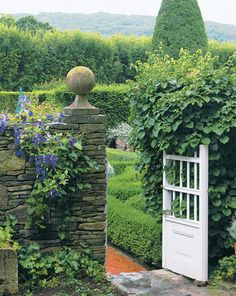 Gate, Connecticut Cottages & Gardens, white, classic, country,