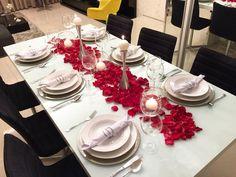 Decoração simples e que faz um efeito lindo... Corre que ainda da tempo de fazer uma produção para o seu amor!  Para ver os detalhes acesse http://ift.tt/1G1h5N2 #diadosnamoradoslarfocecasa #diadosnamoradosmesahits #mesahits #lardocemesa #diadosnamorados #mesaposta #mesadiadosnamorados #ideia #mesalinda #mesaromantica