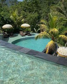Infinity Pool in Bali. Swimming Pools Backyard, Swimming Pool Designs, Backyard Pool Designs, Home Building Design, Luxury Pools, Luxury Homes Dream Houses, Dream Pools, Dream House Exterior, Beautiful Places