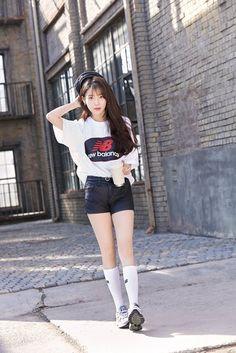 K-Pop Babe Pics – Photos of every single female singer in Korean Pop Music (K-Pop) Cute Korean, Korean Girl, Asian Girl, Iu Fashion, Korean Fashion, New Balance Outfit, Sexy Socks, Korean Actresses, Korean Celebrities