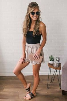 Cute Summer Outfits For Women And Teen Girls Casual Simple Summer Fashion Ideas. Clothes for summer. Summer Styles ideas Trending in Summer Outfits Women, Outfits For Teens, Spring Outfits, Cute Casual Outfits, Short Outfits, Cute Shorts Outfits, Casual Shorts Outfit, Black Outfits, Fashionable Outfits