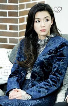 Jun Ji Hyun- Legend of The blue sea The Fashionable mermaid Korean Actresses, Asian Actors, Korean Actors, Asian Woman, Asian Girl, Asian Ladies, Legend Of Blue Sea, Legend Of The Blue Sea Jun Ji Hyun, Jun Ji Hyun Fashion