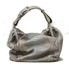 Call me bisexual cuz this bag is my boyfriend and girlfriend! http://www.zaynastyle.com/2012/04/my-summer-fling.html