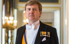 King Willem-Alexander will mark his 50th birthday by inviting 150 people who were born on the same day as him to dinner....