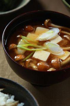 Typical Japanese Miso Soup (Tofu Cube, Nameko Mushroom and Sliced Negi Onion) 豆腐となめこの味噌汁